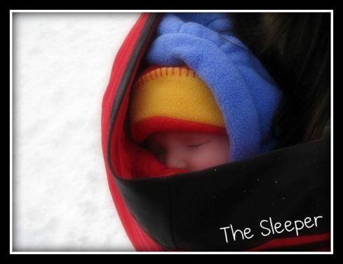 h_sleeping_in_the_amauti_picnik